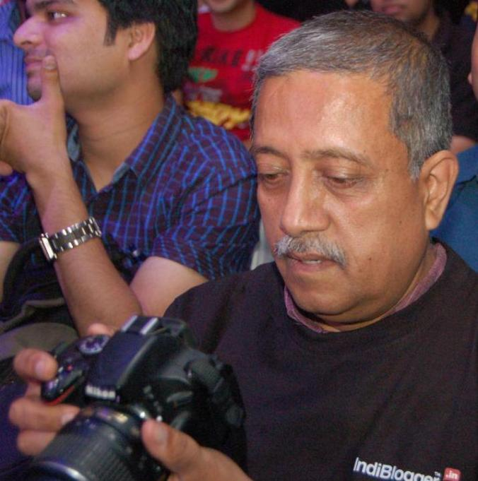 Boss of winning contests and flaunting his camera. ;)